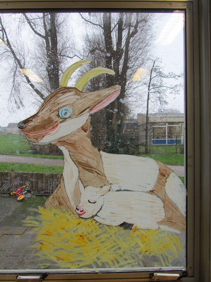 We hebben er een geitje bij. Raamschildering.