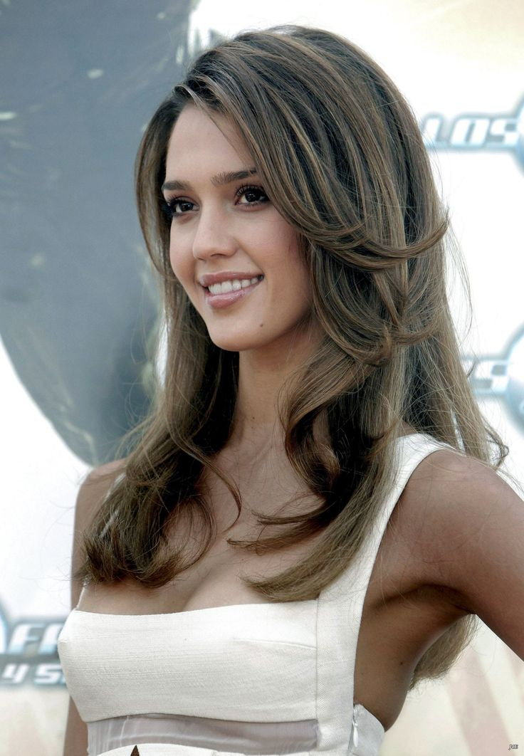 Jessica Alba- she is seriously stunning. Love the cut and color <3
