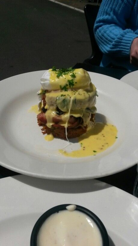 One of my favorite breaky eats:hash rosti stack.(herb kumara&potato rosti,bacon,mushroom,tomato,poached egg and holidaise ) 8/10