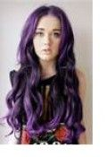 How to color your hair purple without using chemical dyes: blackberries, food coloring, drink powdered mixes