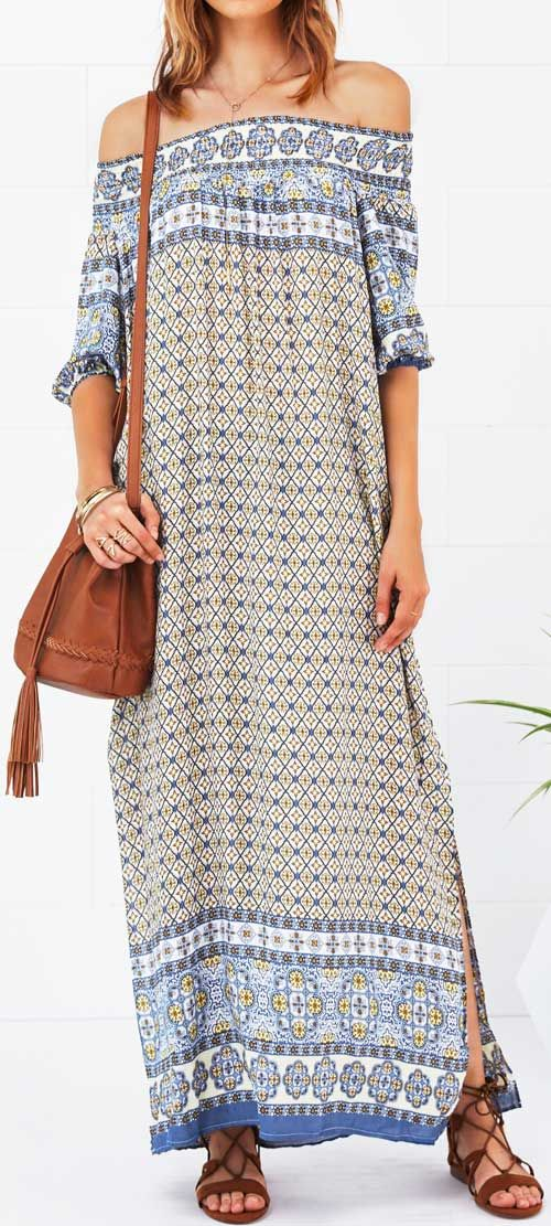 We can't get enough of this flirty dress designed with boho printing & off the shoulder. Finished with slit at sides detail, it is the perfect feminine piece to wear on weekends.