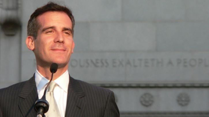 «Πόλη ανοιχτή»: Ο δήμαρχος του Λος Άντζελες δεσμεύθηκε να προστατεύσει τους μετανάστες από τον Τραμπ :: left.gr
