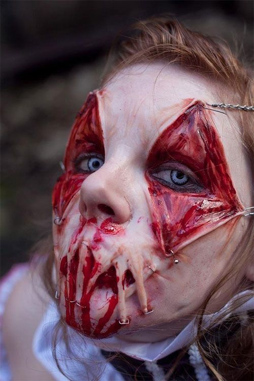 Best-Yet-Scary-Halloween-Make-Up-Ideas-Looks-For-Girls-2013-2014-10 oohh some of these are even better than the one shown here omg they look difficult to pull off but really creepy!! :P