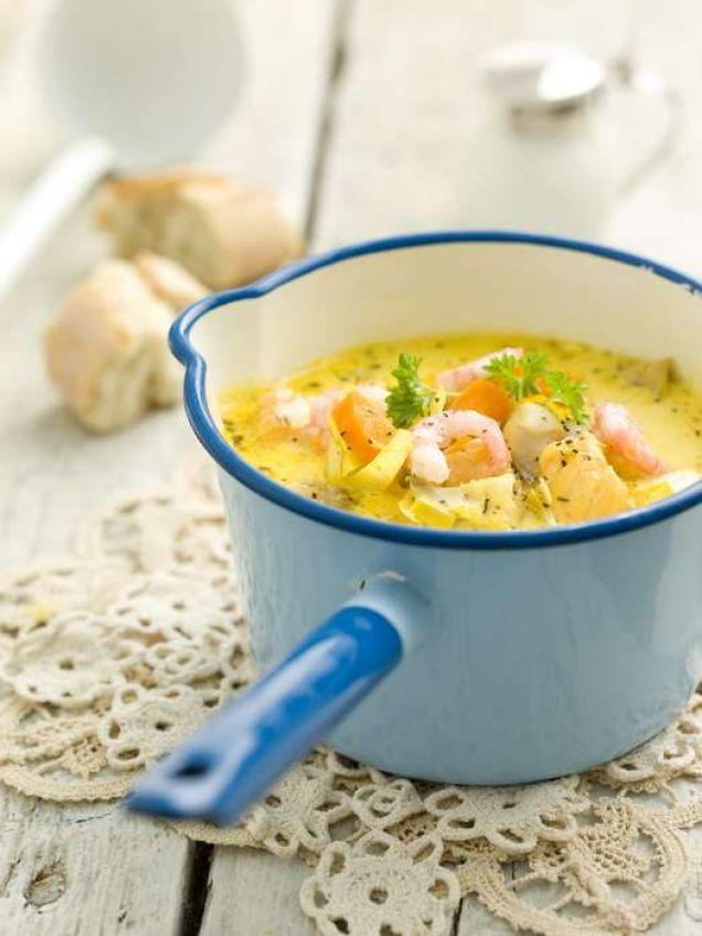 Fiskgryta är perfekt bjudmat, men passar lika bra en vanlig vardag. Servera den med hemlagad aioli och en bit gott bröd!