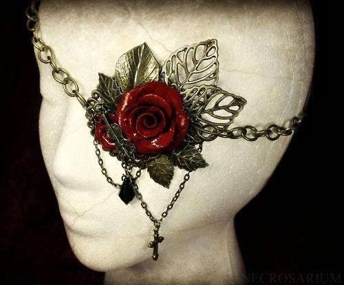 necrosarium - rose eyepatch: http://necrosarium.tumblr.com/post/24654311036/this-is-my-best-eyepatch-its-more-ornate
