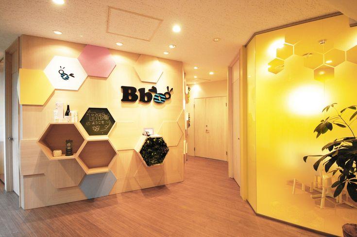 ポップな空間に思わずはにかむハニカムオフィス|オフィスデザイン事例|デザイナーズオフィスのヴィス