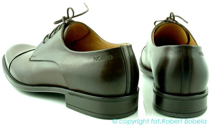 Półbuty męskie Nord Perfekcyjnie zaprojektowana i ekskluzywna linia obuwia. Kolor: ciemny brąz. Wizytowe buty, wiązane, idealne dla eleganckich mężczyzn. Zostały wykonane z wysokiej jakości naturalnej skóry. Są wygodne, komfortowe, efektowne. http://zebra-buty.pl/model/3945-polbuty-meskie-nord-2041-014 #buty #półbuty #shoes #moda