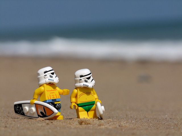 Lego Star Wars - Stormtroopers at the Beach - Surf Troopers.