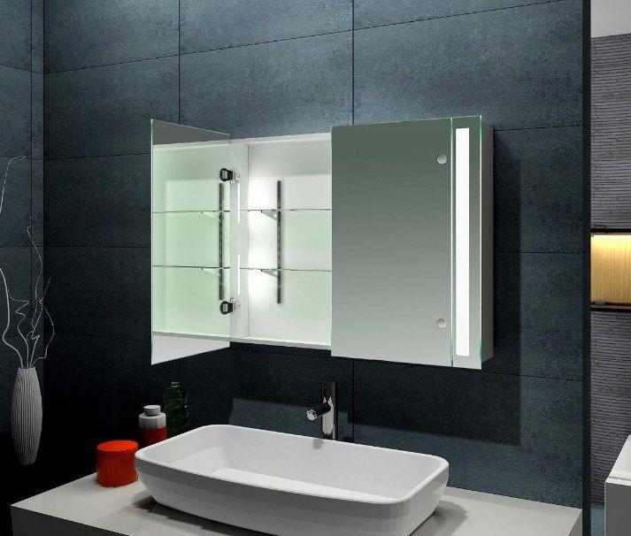 Оптимальный выбор при оборудовании ограниченного пространства – шкаф-зеркало для ванной комнаты.  Такое решение позволяет дополнить систему хранения вместительными полками, при этом украсив интерьер и зрительно увеличив помещение. #смесители #сантехника #дизайн #ванна
