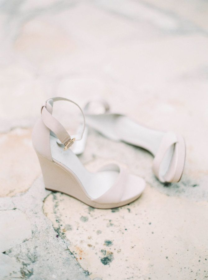 Neutral wedges: http://www.stylemepretty.com/destination-weddings/spain-weddings/2016/05/17/green-white-gold-beach-wedding-with-gorgeous-succulent-bouquet/ | Photography: Ana Lui Photography - http://www.analuiphotography.com/