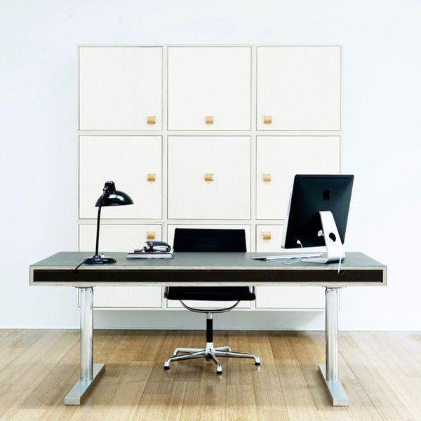 SkabRum height-adjustable desk made of plywood, linoleum and steel. #office #desk #plywood #linoleum #steel #height-adjustable #handcrafted #carpentry #danishdesign #SkabRum #madeindenmark