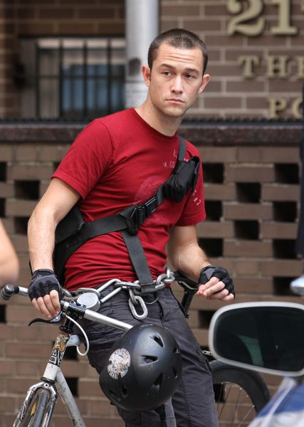 Joseph Gordon-Levitt on set for Premium Rush