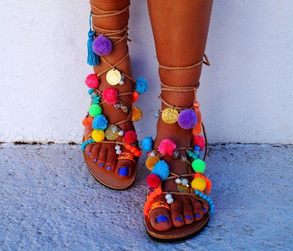 Tie Up gladiateur « Misty » véritable sandales ethniques en cuir, sandales pom pom
