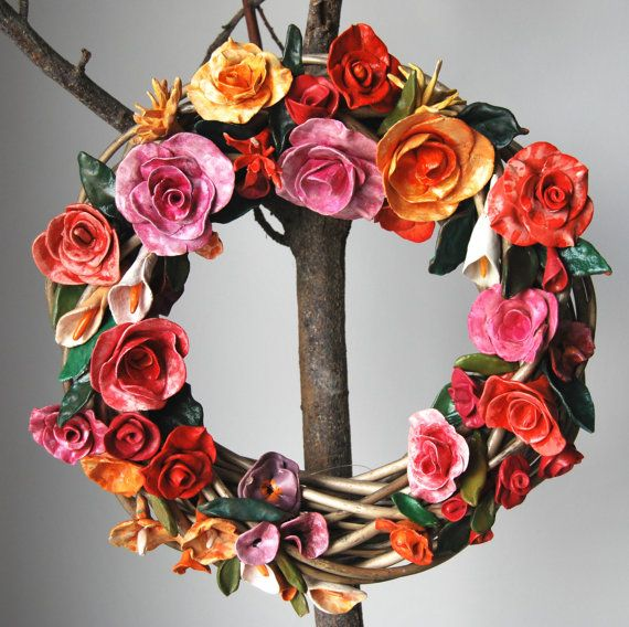 big wreath with ceraminc flowers