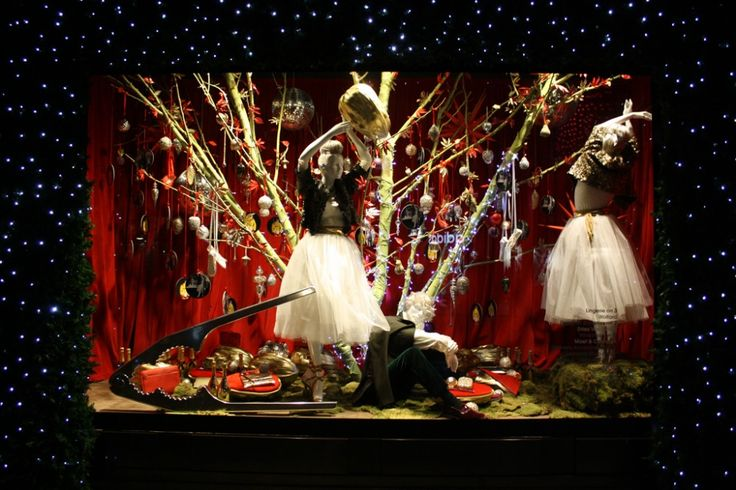 best-window-displays_selfridges_christmas_2012_not-your-usual-christmas_16-1000x666.jpg 1,000×666 ピクセル