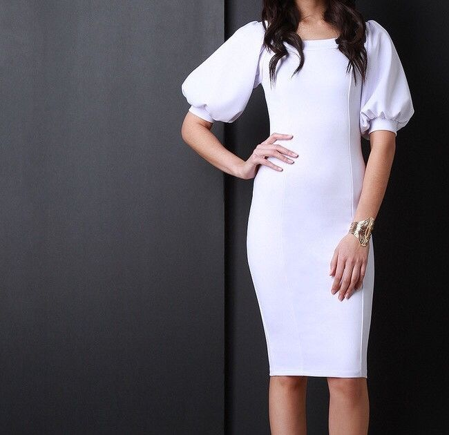 Puffy sleeves widen the upper body, bringing balance to a triangle body silhouette