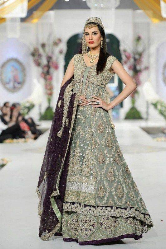 Designer maxi dresses for wedding in pakistan