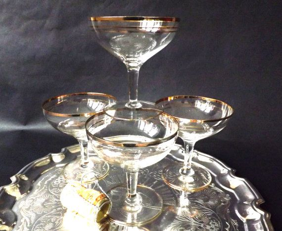 4 #Champagne #Coupe #Glasses Sparkling Wine by CuriosAnCollectibles
