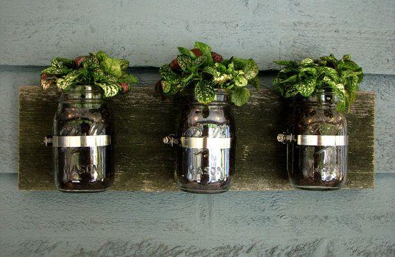 Planteur de mur Mason Jar / organisateur Decor par tickledpinkgoods