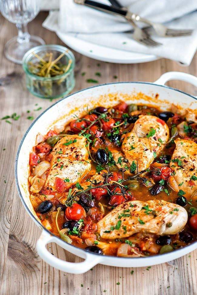 Chicken alla puttanesca – serve with pasta or zucchini noodles if you are watching your calories. Delicious! | Supergolden Bakes