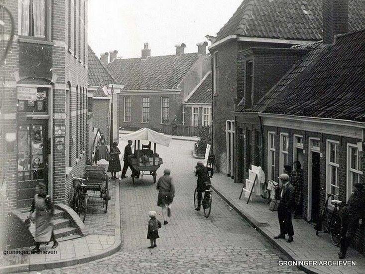 Groningen<br />Groningen: De Grote Rozenstraat in 1931 bij de hoek met de Noorderbinnensingel