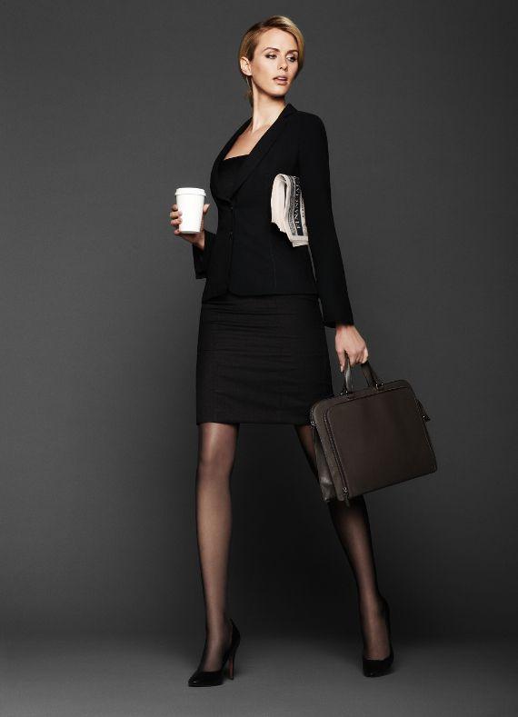 Ein Hauch von Beinkleid – Feinstrumpfhosen sind die fast unsichtbare Stütze des Büro-Outfits