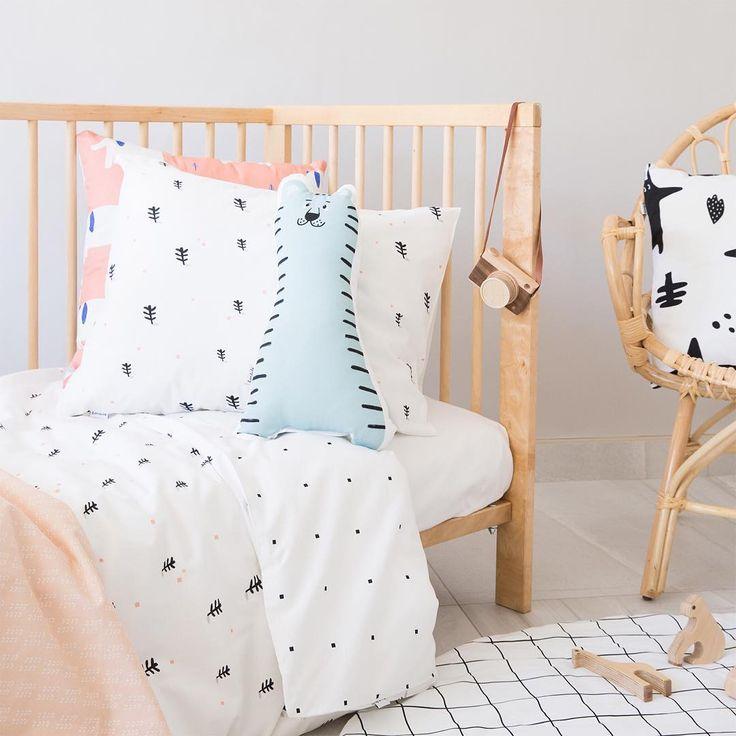 Ropa de cama infantil. Diseñada y fabricada en España. Girls Room Deco #duvetcover #fundanordica #kidsroom