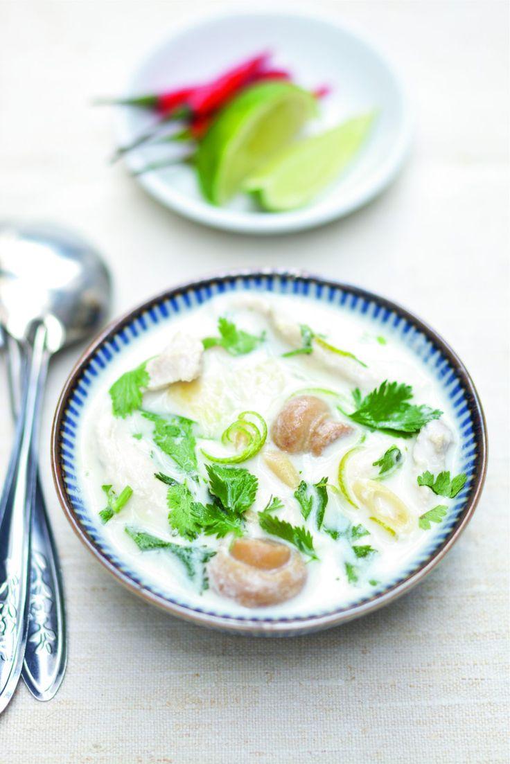 Soupe tom kha kai de poulet au lait de coco par Julie Andrieu