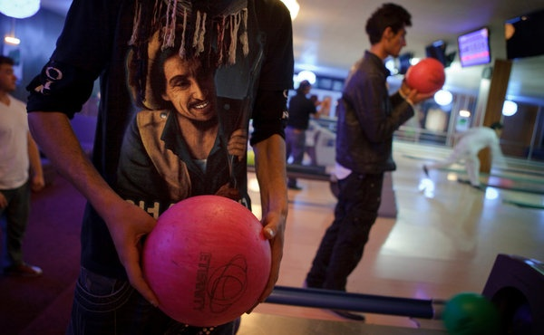 Bowling Alley's 12 Lanes Lead to Another Afghanistan - NYTimes.com