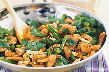 Everyone will want second helping of this tasty chicken stir-fry, so it wouldn't be a bad idea to double the quantities!