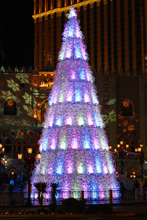 winter in venice at the venetian will kick your humbug squarely in the happies