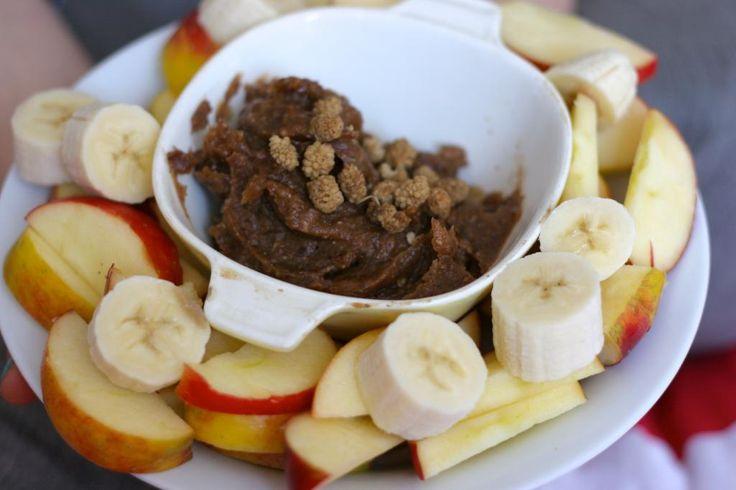 Healthy snack: raw-vegan dadeldip « De Groene Meisjes