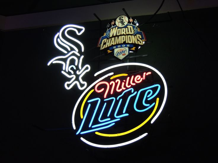 Neon Beer Sign .. Chicago White Sox .. World Champions