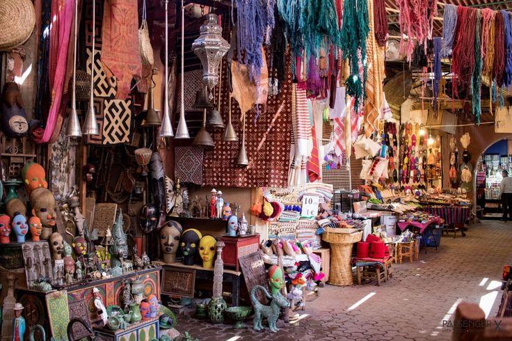 Marrakech ist ein Shoppingparadies, aber nur für jene, die wissen, wie Verhandeln in Marrakesch funktioniert. Hier kommen 9 Tipps, die dich zum Profi machen.