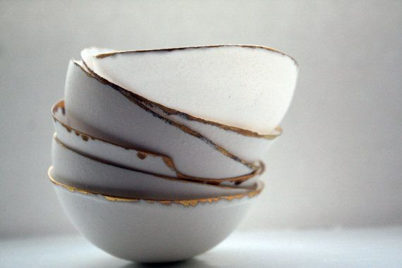 Fine bone china small stoneware bowl with real gold. op Etsy, 23,08 €