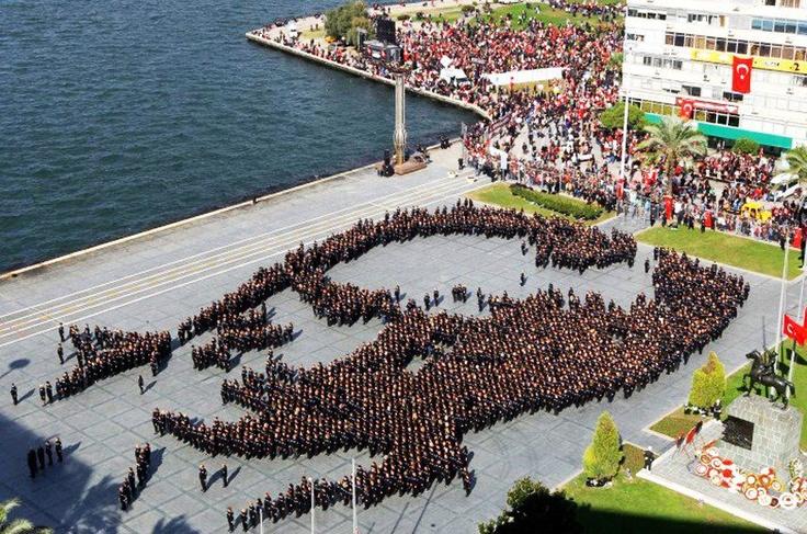 10 November ♥ #izmir #turkey #atatürk https://www.facebook.com/TurkeyUnlimited