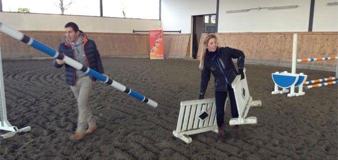 Vittoria Panizzon prepara gli esercizi per l'equilibrio sui salti per i partecipanti dello stage organizzato da A Day with a Pro - a Padova il 23.24 Febbraio 2013 / Cavalli Campioni media partner