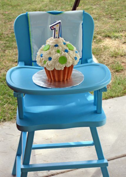 25 best ideas about cupcake smash cakes on pinterest baby smash on cake pans for babys first birthday