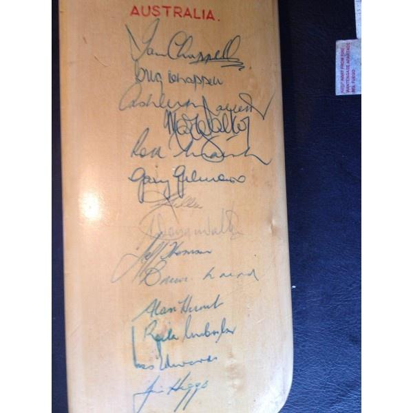 Australian cricket 1975  Autographed cricket bat