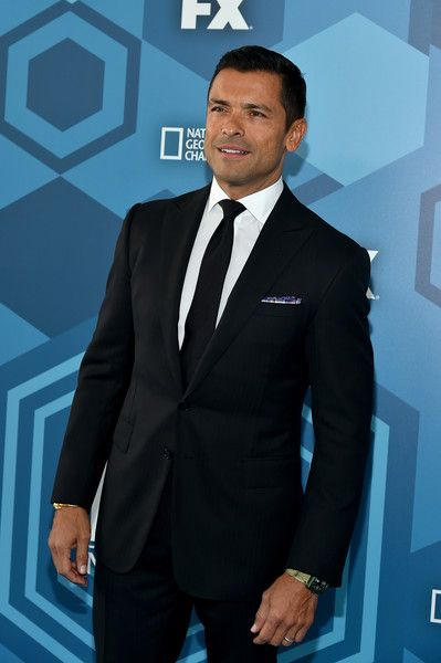 Mark Consuelos Photos Photos - Mark Consuelos attends FOX 2016 Upfront at Wollman Rink on May 16, 2016 in New York City. - FOX 2016 Upfront - Red Carpet