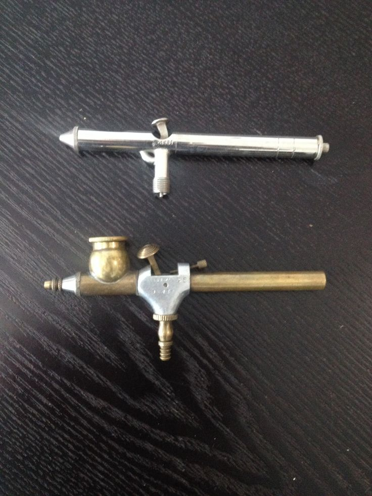 2 vintage airbrushes