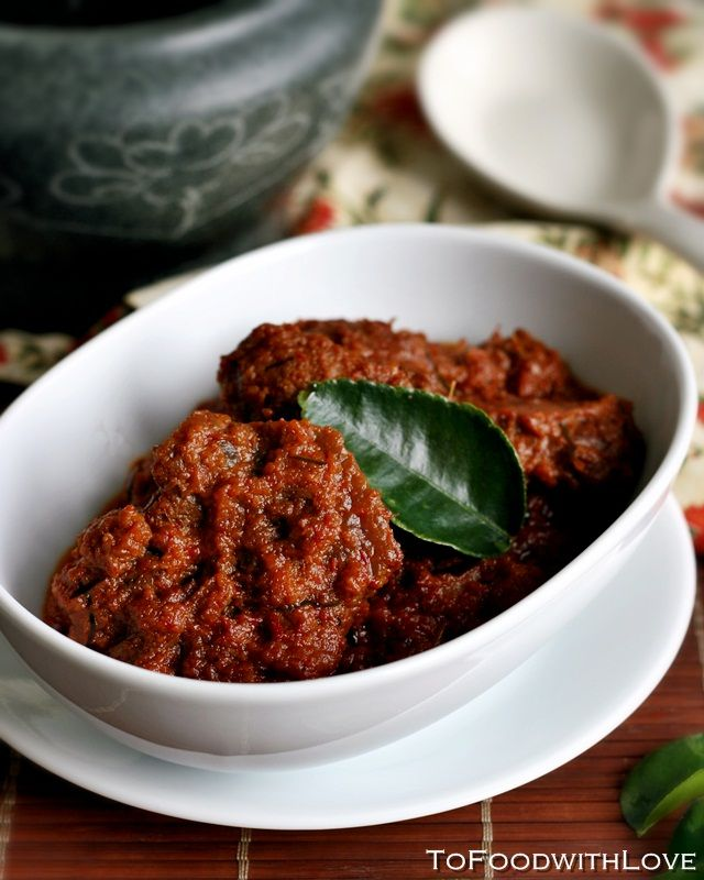 Beef Rendang - spicy meat dish simmered in coconut milk,lemongrass,onions,shallots,chillies and spices..great with rice or bread