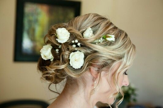 #adrihugo #bridalhair #flowers