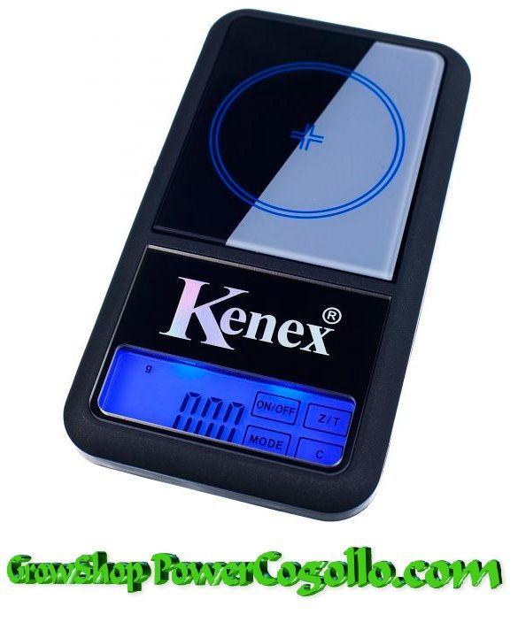 Báscula Digital Kenex Glass 100 gr \/ 0,01gr con pantalla táctil.Esta Báscula fabricada por Kenex es perfecta para pesar articulos que requierenla maxima precision.La balanza de precisión Kenex es una de las básculas digitales de precisión más versátiles y fiables.Para llevar a cabo un correcto pesaje tenemos la Báscula de precisión Kenex Glass, un equipo digital y con precisión de 0,01 de gramo y capacidad de 100 gramos. Funciona con 2 baterías AA que vienen incluidas.