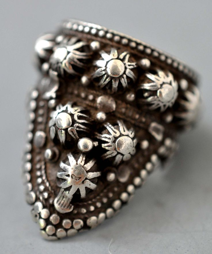 Yemen ring silver ( I wear this all the time) (private collection Linda Pastorino)