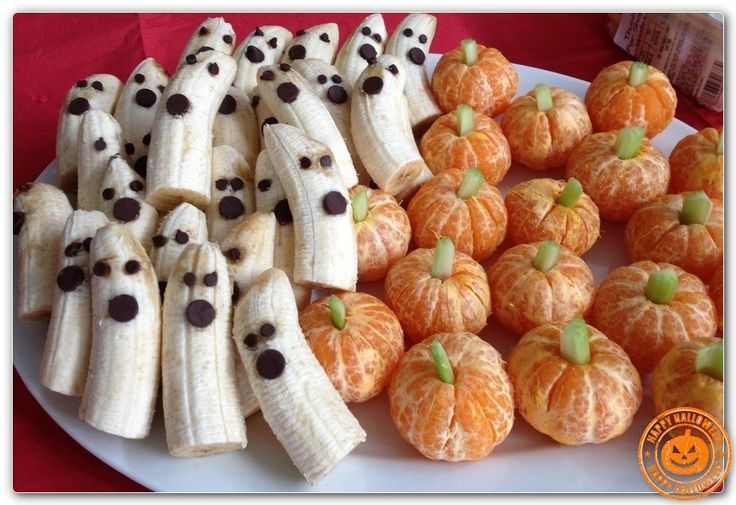 HALLOWEEN AWESOME CAKEs, Candy, Cookies, FOOD - Page 14 banana ghosts and clementine pumpkins.