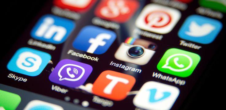 El 62 % de los usuariosno cree que los servicios de mensajería sean seguros, el 61 % no confía en los servicios VoIP y el 60 % no se siente protegido al hablar por un vídeo chat. Además, el 37 % de los participantes prefieren usar la mensajería online, el 25 % utiliza las herramientas de mens…