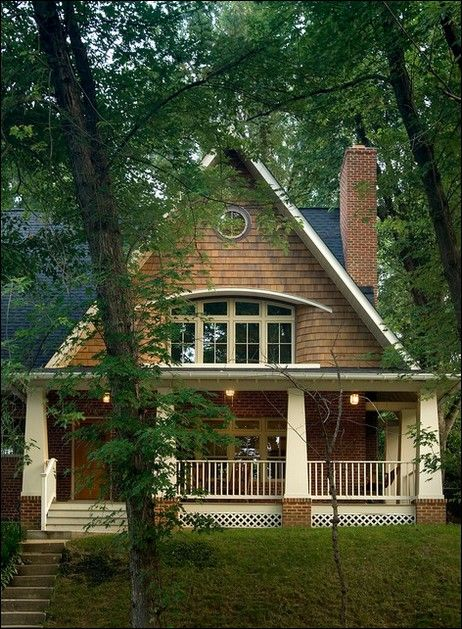 Cottage style home, simply love!  Perfect for North Carolina area... a woman can dream!