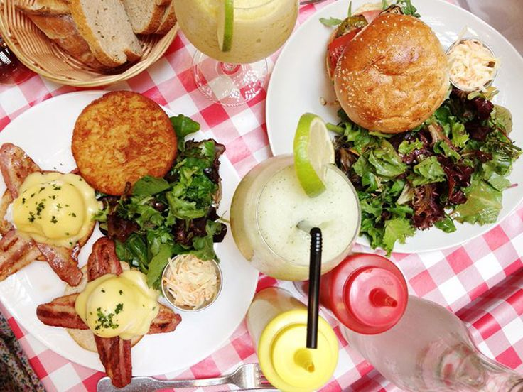 Meilleur burger de paris : Schwartz's Deli 16, rue des écouffes 75004