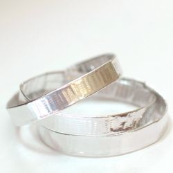 Duct tape and scissors are all that's required to make easy bangle bracelets - click through for the how-to.